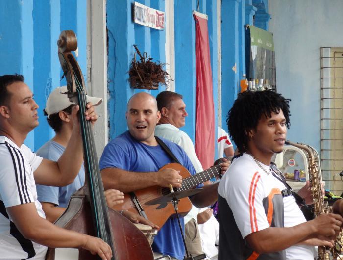 Live music in Viñales, Cuba.