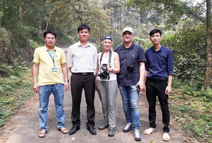 Pham Thanh Ha, Prof. H. Van Sam, E. Kozlowski, Prof. G. Kozlowski, Trinh Van Thanh (Botanic Garden of VNUF)