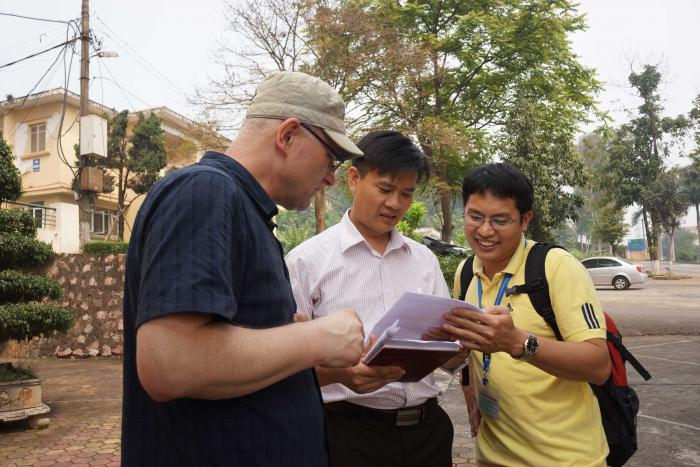 Prof. G. Kozlowski, Prof. H. Van Sam and Pham Thanh Ha (VNUF)